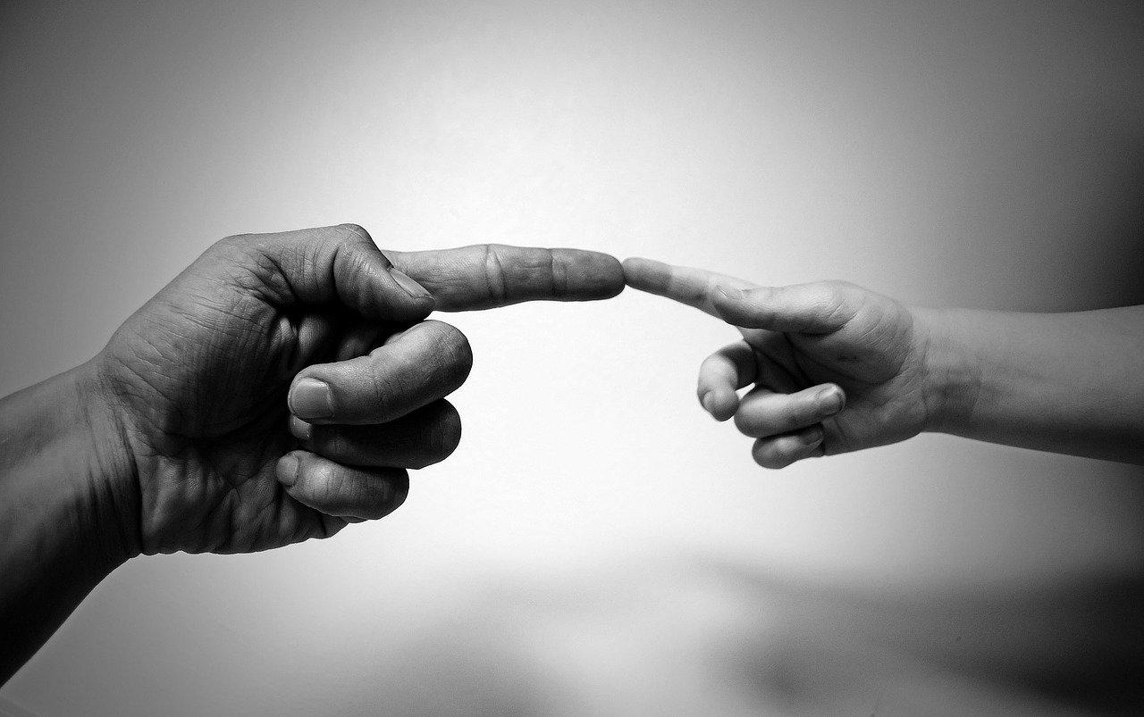 Aligning fingers